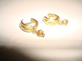 18 Karat Gold Earrings