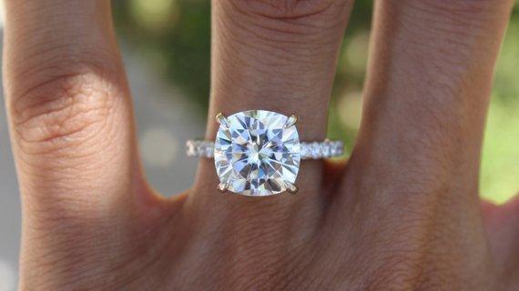 Engagement Rings 5 Carat