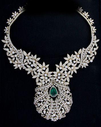 Latest 2015 Diamond Pendant And Necklace Set Jewellery