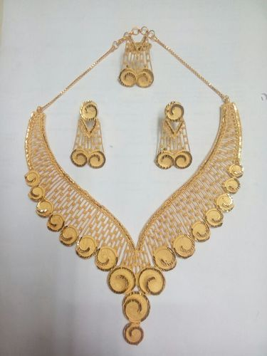 New Design Necklace In Gold