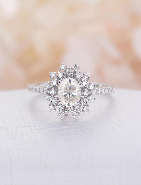 Oval Engagement Rings Antique