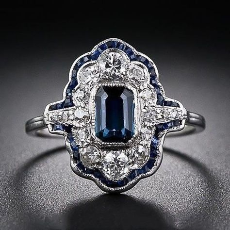 Pretty Luxury Blue Sapphire Art Deco Engagement Rings